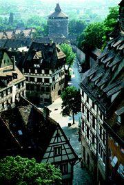 Albrecht-Dürer-Haus in Nürnberg (center of image).  The Nürnberg castle is in the background.