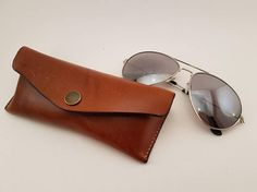 Leather glasses case from FarfarsYxa