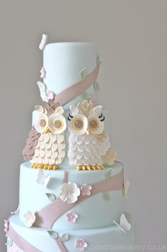 I JUST LOVE THE OWLS!!!! Owl Woodland Visit http://www.brides-book.com for more great wedding resources
