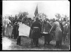 Après les dernières manoeuvres, le Kaiser critiquant les opérations de ses généraux [illisible] : [photographie de presse] / [Agence Rol]
