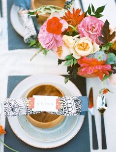 Southwestern inspired place setting: http://www.stylemepretty.com/2014/11/13/vibrant-rock-quarry-styled-shoot-in-texas/ | Photography: Ben Q - http://www.benqphotography.com/: