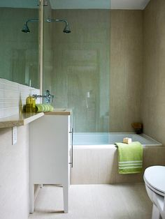 Simple bathroom with tub and glass shower, master bath. Different colors. Tub Shower Combo, Shower Tub, Glass Shower, Shower Enclosure, Shower Doors, Simple Bathroom, Master Bathroom, Bathroom Small, Bathroom Renos