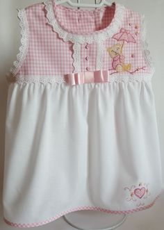 Baby Born Clothes, Sewing Baby Clothes, Cute Little Girl Dresses, Baby Girl Dresses, Baby Frocks Designs, Baby Dress Design, Baby Girl Dress Patterns, Frocks For Girls, Baby Gown