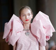 The vibe at @giambattistavalliparis ? Go big or go home. Who else is loving this millennial powder pink contrasted with a glossy red lip?  #couture #giambattistavalli  via INSTYLE UK MAGAZINE OFFICIAL INSTAGRAM - Fashion Campaigns  Haute Couture  Advertising  Editorial Photography  Magazine Cover Designs  Supermodels  Runway Models