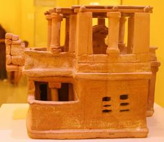 Clay model of a Minoan housed, Acharnes, 1600 B.C., Heraklion Archaeological Museum, Crete, 2010