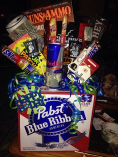 The birthday man bouquet I made for my mans birthday :). Just the general concept. Not the actual contents Bf Gifts, Diy Gifts For Boyfriend, Birthday Gifts For Boyfriend, Craft Gifts, Fathers Day Gifts, Gifts For Him, Beer Basket, Man Bouquet, Gifts For Photographers