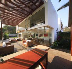 Casa Cachalotes / Oscar Gonzalez Moix - Peru