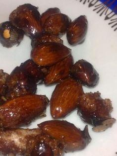 ořechy v karamelu Sprouts, Almond, Garlic, Fruit, Vegetables, Vegetable Recipes, Almond Joy, Veggie Food, Brussels Sprouts