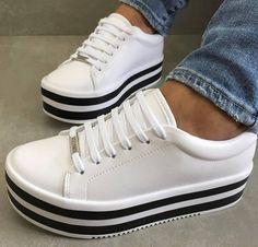 Zapatos de encaje, zapatillas dama, zapatos brillantes, tipos de zapatos, t Buy Nike Shoes, Women's Shoes, Hot Shoes, Shoes Sneakers, Me Too Shoes, Buy Shoes Online, Shoe Closet, Baskets, Platform Sneakers