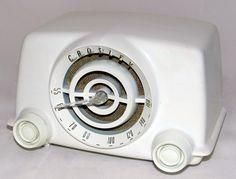 https://flic.kr/p/wzgdoF | Vintage Crosley Dynamic Table Radio, Model 11-100U, Dubbed The Bullseye, Broadcast Band Only, 5 Tubes, Made In USA, Circa 1951