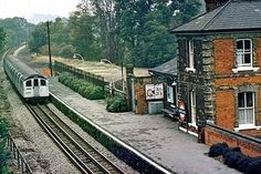 London Underground Tube, London Underground Stations, London Transport, Public Transport, Disused Stations, Bonde, Vintage London, The Good Place, Train Stations