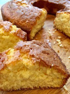 Wie Ihr wisst, mag ich einfache Kuchenrezepte. Es muss bei uns nicht immer kompliziert sein – es ist ja eh so, dass die Kinder die einfachsten Rezepte am liebsten mögen, oder?! So wie den Kla…