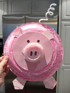 Since my little guy couldn t choose between the cow and the pig we decided to do projects with both today Materials Needed paper plate Pig Crafts, Farm Crafts, Animal Crafts, Paper Plate Crafts, Paper Plates, Pink Plates, Toddler Crafts, Crafts For Kids, Paper Plate Animals