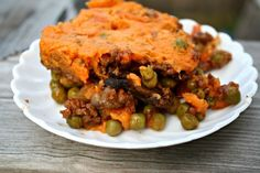 {Comfort Food} Shepherd's Pie   http://friskylemon.com/2013/11/12/comfort-food-shepherds-pie/
