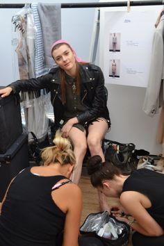Studs on Model backstage Models Backstage, Studs, Trends, Fashion, Moda, Asparagus, Ear Studs, Fasion, Trendy Fashion