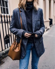 Classic office wear 💻 H&M jumper + Everlane blazer + Mansur Gavriel - By @emmahill Winter Outfits For Teen Girls, Winter Outfits For Work, Fall Outfits, Casual Outfits, Holiday Outfits, Comfortable Outfits, Fashion Mode, Look Fashion, Autumn Fashion