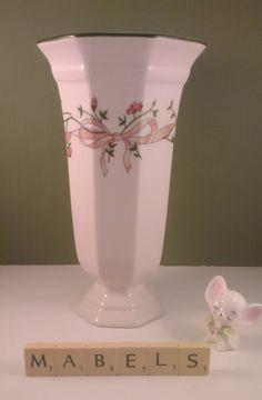 JOHNSON BROTHERS ~ETERNAL BEAU~ large vase