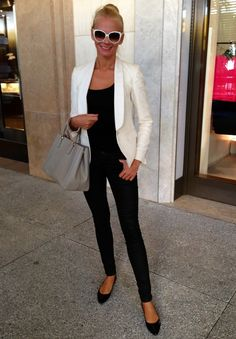 Street Style in Bal Harbour in Miami Beach: Massimo Dutti blazer, All Saints jeans & Prada bag