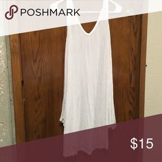 White Umgee stretchy blousy tunic size L Similar to piko material, would be perfect I've electing a and boots! Reposh as it doesn't fit, super soft! Umgee Tops Tunics
