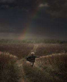 http://www.123inspiration.com/mother-takes-wonderful-photos-of-her-kids-and-animals-in-her-farm/