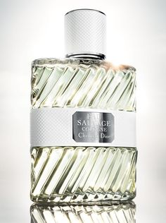 Fresh and spicy, Eau Sauvage Cologne surprises by its immediate charm.