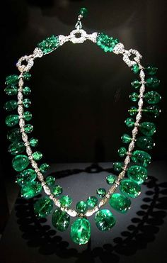 The Indian Emerald Necklace made with 24 Columbian gems. Jewels are set in platinum complimented with 100s of diamonds. Created in 1928-1929 by Cartier.