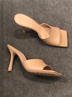 bottega veneta shoes Bottega Veneta pre-fall 2019 Collection Beige/Nude Mules by PSL Shoes For School, Nude Shoes, Women's Shoes, Shoes 2018, Girls Shoes, Ladies Shoes, Shoes Women, Fall Shoes, Bottega Veneta