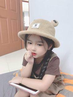 Cute Baby Boy, Cute Little Baby, Baby Boy Or Girl, Cute Girl Pic, Mom And Baby, Little Babies, Cute Kids, Cute Asian Babies, Korean Babies
