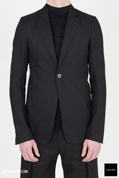 Woven jacket P 09 BLACK Cotton Front lining Cotton Back and sleeves lining Cupro Rick Owens - Walrus - Made in Italy Model is wearing size He is chest Rick Owens, Suit Jacket, Blazer, Model, Sleeves, How To Wear, Cotton, Jackets, Collection