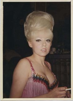 Big Hair of the 1960s – 30 Hair Styles from the 1960s That Will Boggle Your Mind