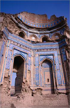 Sufi tomb of Bibi Jawindi - Pakistan