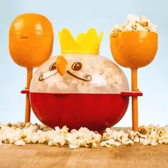 Pop your kernels in this kingly creature, scoop some popcorn into the maracas, add some toppings, and then shake-shake-shake it up!