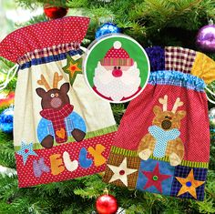 Super-sized Santa Sacks. Super easy to make. Full alphabet and BONUS Santa applique included. Resize the alphabet to suit the length of the names you want to applique to the sacks. Approx. size 18in x 26in. http://www.redbootquilts.com PDF Pattern - $6.50 Printed Pattern - $11.50 plus postage.
