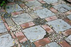 river rock patio | Brick and river rock patio | Garden Ideas