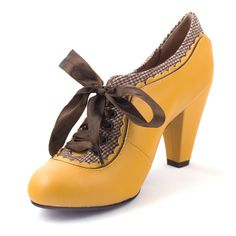 yellow 'Poetic License Backlash' shoes by Irregular Choice - I have these in red! Sock Shoes, Cute Shoes, Me Too Shoes, Vintage Shoes, Vintage Outfits, Irregular Choice Shoes, Mellow Yellow, Mustard Yellow, Yellow Fashion
