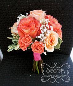 peach standard roses spray roses baby breath toss bouquet