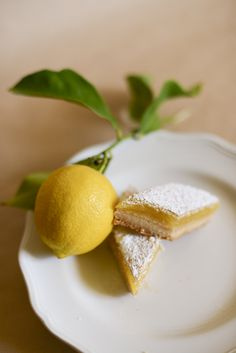 Classic Lemon Bars Recipe | Tikkido.com