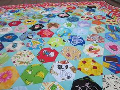 BonnieProjects: Hexie Eye Spy Quilt for Penelope