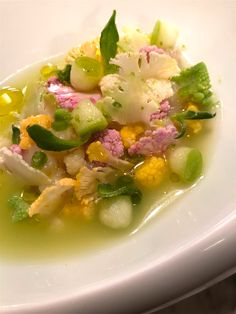 Scallops ceviche with cauliflower at Virtus, Paris Scallop Ceviche, Paris Restaurants, Best Dishes, Cauliflower, Contemporary, Scallops, Eat, Cooking, Ethnic Recipes