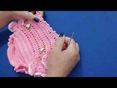 Calcinha de crochê - YouTube Crochet Baby Pants, Crochet Dress Girl, Baby Girl Crochet, Crochet For Kids, Easy Crochet, Crochet Clothes, Knit Crochet, Baby Boy Knitting Patterns, Baby Knitting
