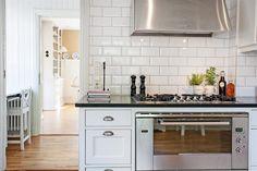 Bildlista Kitchen Island, Kitchen Cabinets, Home Decor, Island Kitchen, Decoration Home, Room Decor, Cabinets, Home Interior Design, Dressers