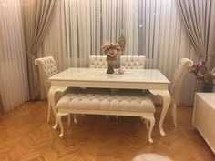 These 4 Living Room Trends for 2019 – Modells. Dining Room Table Decor, Dining Room Design, Living Room Decor, Pink Home Decor, Retro Home Decor, Home Decor Furniture, Furniture Design, Furniture Chairs, Vintage Furniture