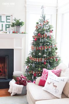 2015 Finding Home Farms --  Galvanized Christmas Tree Decorating