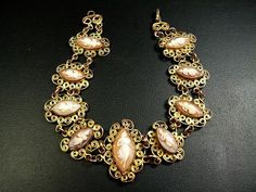 Cameo Bracelet with Marquise-Shaped Shells in a Gold Plated Setting