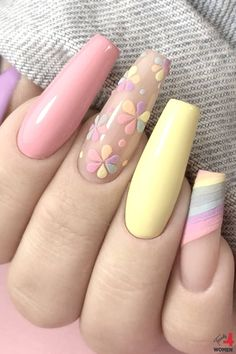 If you are looking for a fantastic nail design that will blow anyone away, all you have to do is choose a glittering nail design. Best Acrylic Nails, Summer Acrylic Nails, Acrylic Nail Designs, Summer Nails, Heart Nail Designs, Classy Nail Designs, Classy Nails, Stylish Nails, Nail Swag