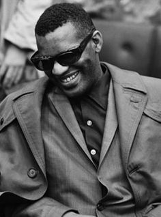 RAY CHARLES - I said just an old sweet song, keeps Georgia on my mind.