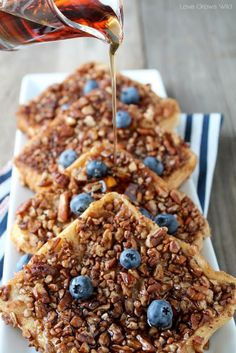 Pecan Crusted French Toast - the perfect french toast coated in crunchy, cinnamon Pecans!