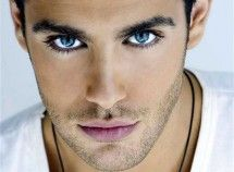 If I saw a guy with eyes this blue id fall in love!!