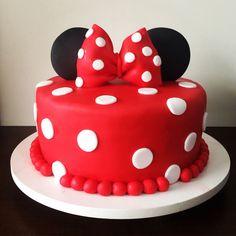 decorado minnie mouse bolo Minnie Mouse Bolo Decorado Minnie Mouse Bolo DecoradoYou can find Minnie mouse cake and more on our website Bolo Da Minnie Mouse, Mickey Mouse Cake, Mickey Y Minnie, Minnie Mouse Birthday Decorations, Mickey Mouse First Birthday, Gateau Theme Mickey, Bolo Laura, Mini Mouse Cake, Baby Birthday Cakes
