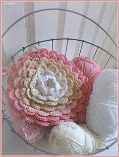 Crochet Pillow Flower Attic 24 Ideas For 2019 Crochet Home, Love Crochet, Crochet Motif, Crochet Crafts, Diy Crochet, Yarn Crafts, Crochet Baby, Beautiful Crochet, Crochet Potholders